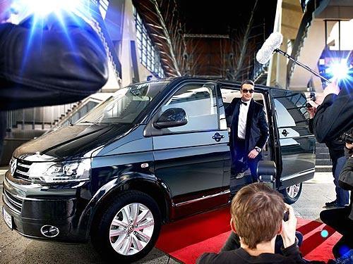 Всемирно известный музыкальный продюсер выбрал Volkswagen Multivan Business - Volkswagen